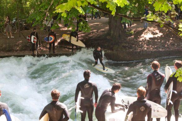 Eisbach surfen Eisbachwelle Riversurfen