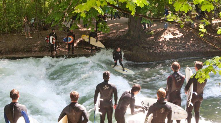 Eisbach - einzigartiges River Surf Erlebnis in Mnchen! - Airbnb