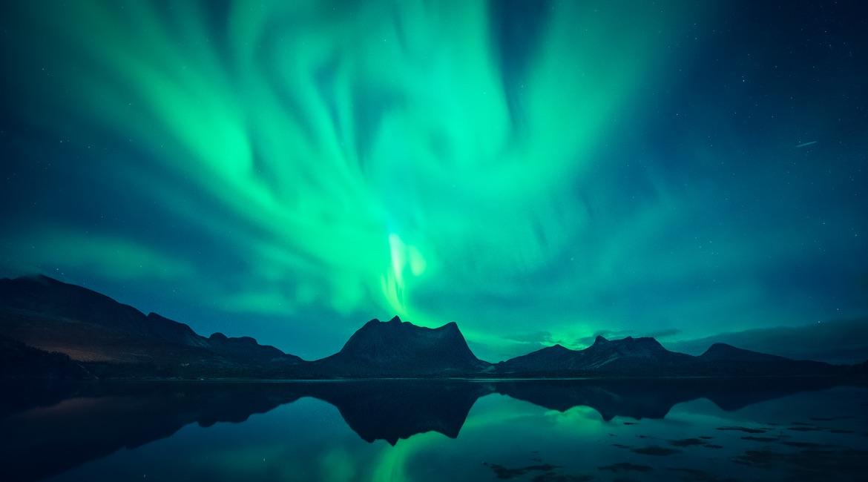 Lofoten Guide - Aurora by Felix Inden