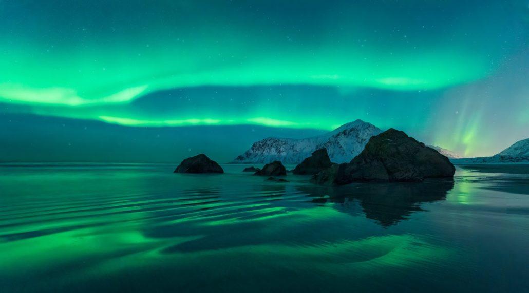Lofoten Nordlicht by Felix Inden